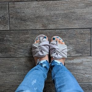 Grey Bow Tie Sandals
